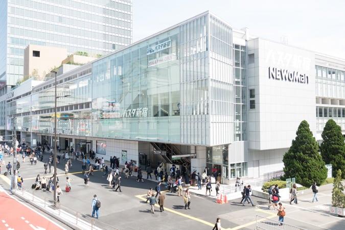 バスタ新宿完全ガイド!レストランにお土産・喫煙所も紹介