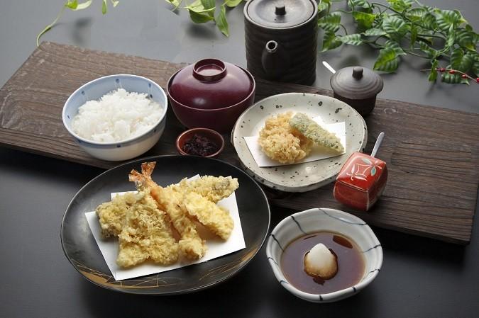 ツナ八天ぷら定食