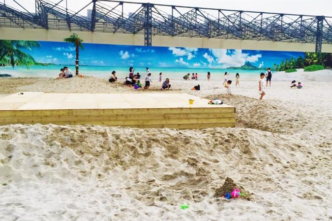 小さな子供から大人まで賑わうタチヒビーチ